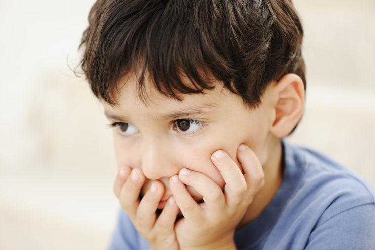 Autisme bezorgd jongetje